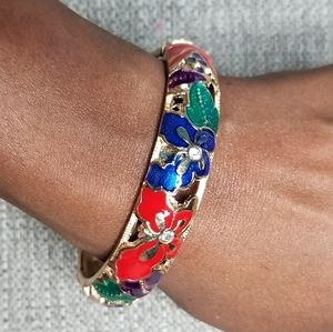 3/$20❤❤❤  Beautiful Enamel Bangle Bracelet - gold